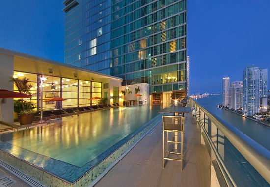 Hotel Beaux Arts, Autograph Collection: Outdoor Pool Deck