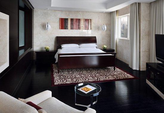 Dubai Marriott Harbour Hotel & Suites: Three-Bedroom Penthouse Suite - King Bedroom