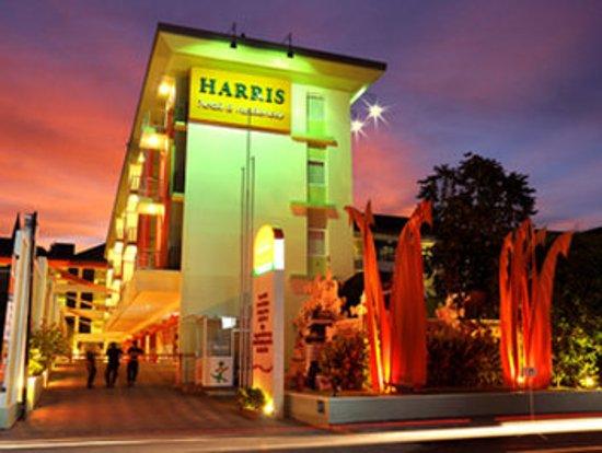 HARRIS Hotel & Residences Riverview Kuta : Hotel Facade