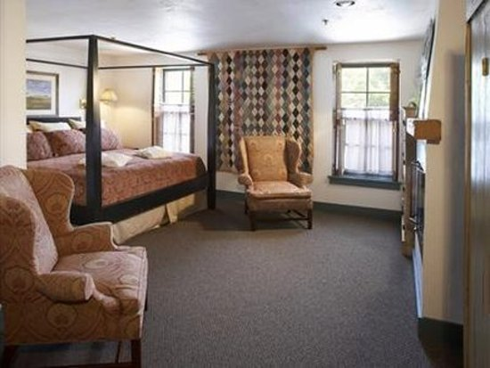 Cedarburg, WI: Other Hotel Services/Amenities