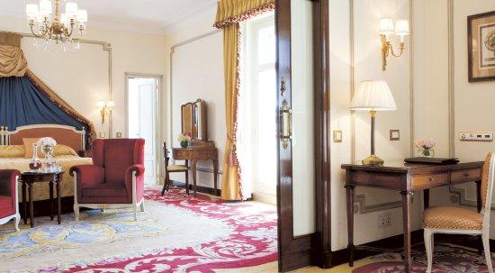 Hotel Ritz, Madrid: One Bedroom Suite