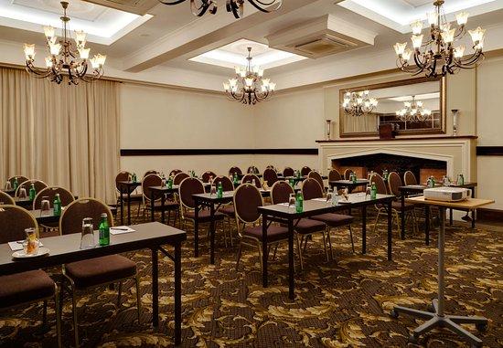 Protea Hotel by Marriott Hilton: Tudor 7   Classroom Setup