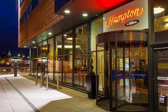 Hampton by Hilton Liverpool City Centre: Hotel Entrance