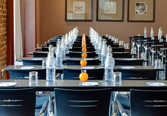 Protea Hotel by Marriott OR Tambo Airport: Conference Room   Classroom Setup