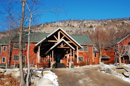 Minnewaska Lodge: Exterior