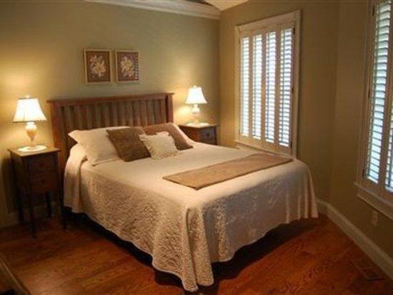 Millersburg, OH: Guest Room