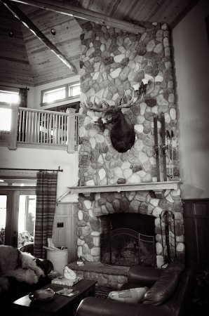 Chestertown, NY: Stone fireplace in The Great Room