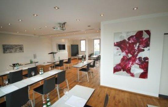 Qube Hotel Heidelberg: Meeting room View