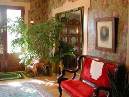 Ravenna, Ohio: Lobby Area