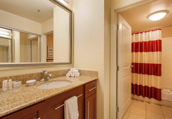 Surprise, AZ: Two-Bedroom Suite Bathroom