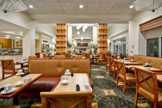 Riverview, FL: Breakfast Seating Area