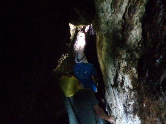 Cardenas, Nicaragua: En las cuevas Punta de Piedra