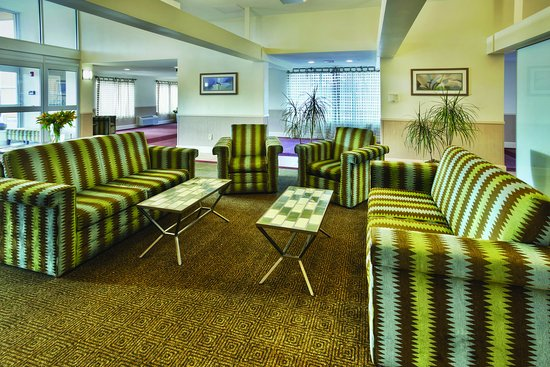 La Quinta Inn & Suites Danbury: LobbyView