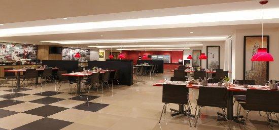 โรงแรมเรดฟ็อกซ์: Dining