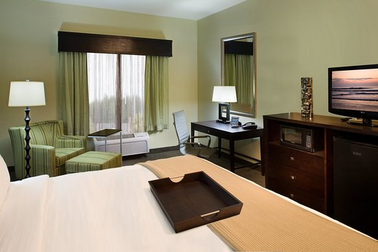 Holiday Inn Express Hotel & Suites Waycross: King