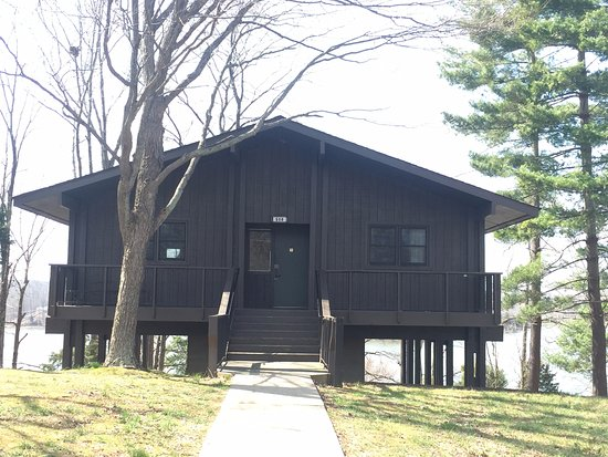 Lake Barkley Lodge: Cottage from the outside