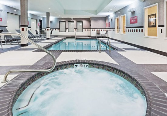 TownePlace Suites Tulsa North/Owasso: Indoor Pool & Whirlpool