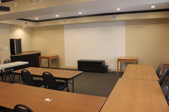 Columbus, TX: Meeting Room