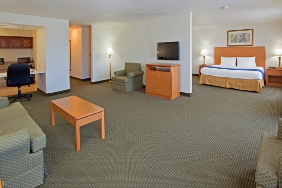 Columbus, TX: Executive Suite