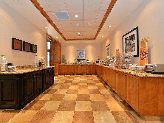 Buffalo, WY: Free Full Hot Breakfast Buffet