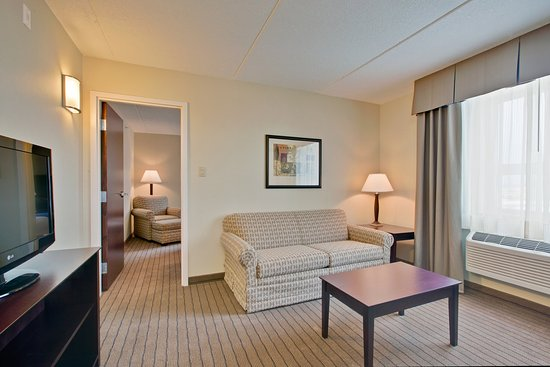 Kincardine, Canada: two room executive suite with comfortable sofa bed