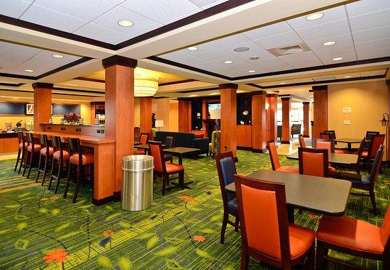 New Bedford, MA: Breakfast Sitting Area