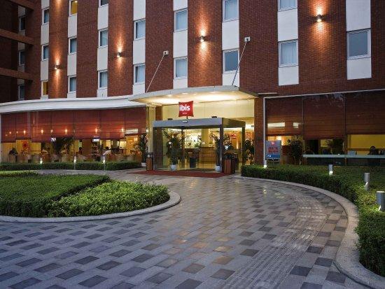 Ibis Hotel (Chengdu Yongfeng): Exterior