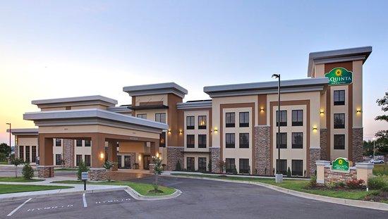 La Quinta Inn & Suites Memphis Wolfchase: ExteriorView