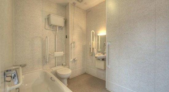 Hedon, UK: Accessible Bathroom