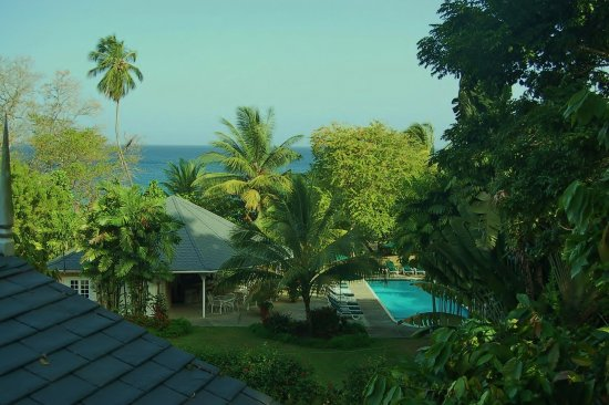 Plantation Beach Villas: Tropical Surroundings