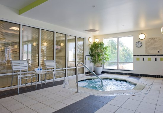 Commerce, GA: Indoor Spa