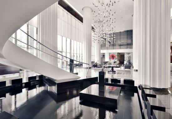 JW Marriott Hotel Pune: Lobby