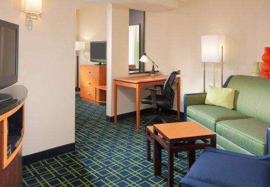 Harrisonburg, VA: Executive King Suite