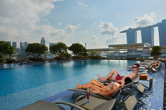 The fullerton bay hotel singapore updated 2018 prices - Rooftop swimming pool in singapore ...