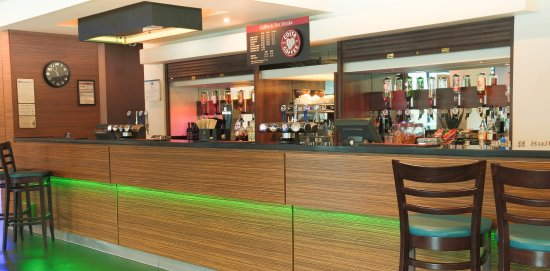 Slough, UK: Bar and Lounge Free Wifi in all public areas