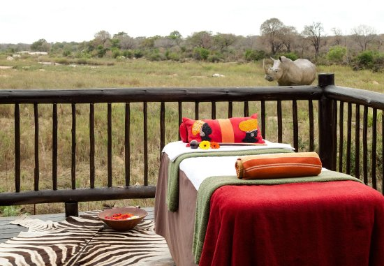 Skukuza, South Africa: Dee s African Spa   Outdoor Spa Services