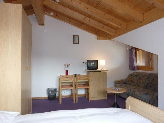 Bettmeralp, Schweiz: Family room western view