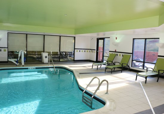 Fairfield Inn & Suites Charlotte Matthews: Indoor Pool