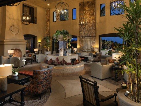 Grand Solmar Land's End Resort & Spa: Inner Fountain