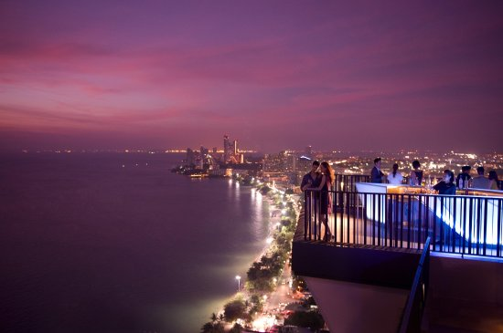 Hilton Pattaya: Horizon rooftop bar & restaurant