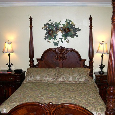 Forest City, IA: Guest Room -OpenTravel Alliance - Guest Room-
