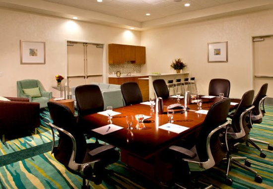 SpringHill Suites Huntsville Downtown: VonBraun Conference Room