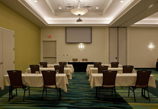SpringHill Suites Huntsville Downtown: Redstone Ballroom - Classroom Setup