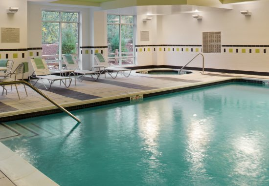 Puyallup, WA: Indoor Pool/Spa