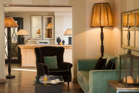 Hotel Villa Ducale: Villa Ducale Design- Lobby Area