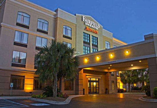 Fairfield Inn & Suites Charleston Airport/Convention Center: Exterior