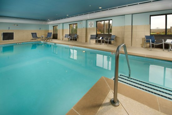Holiday Inn Express Hotel & Suites Tullahoma East : Swimming Pool