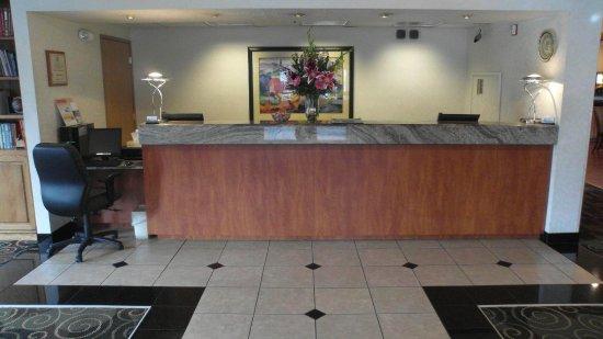 Poulsbo, WA: Front Desk Counter