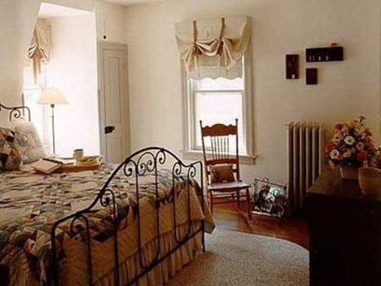 Brickhouse Inn Bed & Breakfast : Guest Room (OpenTravel Alliance - Guest room)
