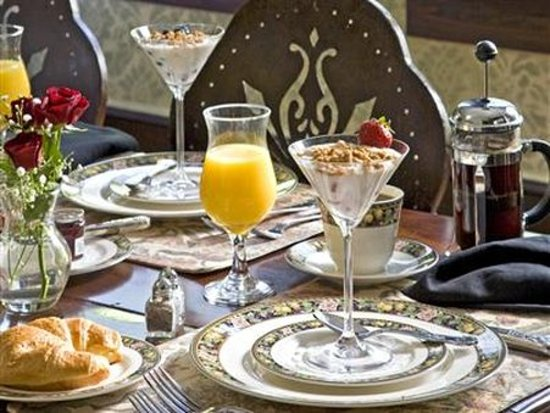 Hoyt House Inn: Other Hotel Services/Amenities